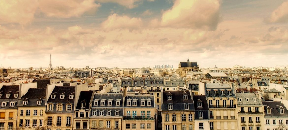 airbnb under more pressure in france